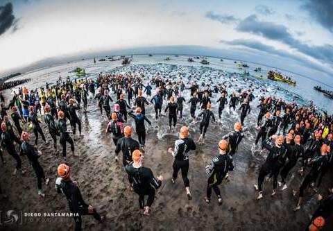 salida-natacion-ironman-lanzarote